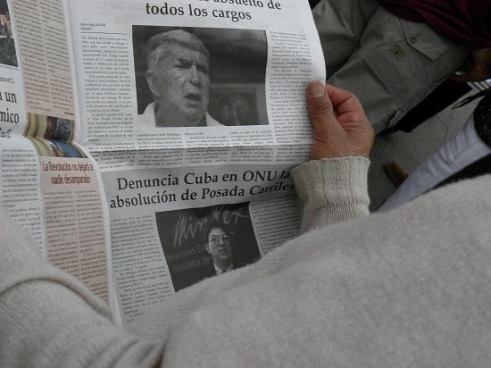 El periódico de papel de Cubainformacion.tv denuncia al terrorista cubanoamericano Luis Posada Carriles radicado en Miami