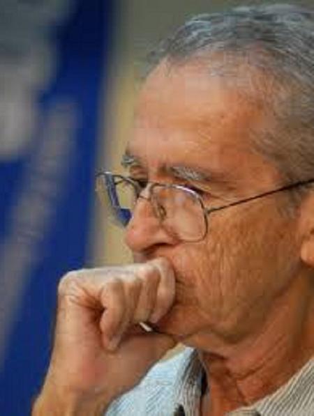 Ambrosio Fornet. Crítico literario, ensayista, editor y guionista de cine.