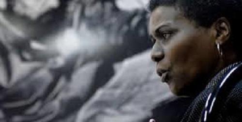 """Zuleica Romay Guerra, presidenta del Instituto Cubano del Libro. Autora del libro: """"Elogio de la altea o las paradojas de la racialidad"""", Fondo Editorial Casa de las Américas, 2012. Foto: Juventud Rebelde."""