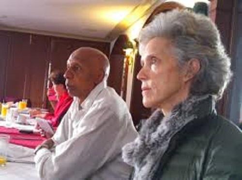 Elena Larrinaga junto al miserable de Guillermo Fariñas.