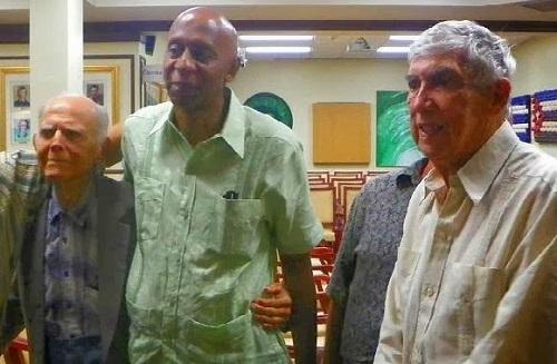 Guillermo Fariñas junto al terrorista internacional, el cubanoamericano Luis Posada Carriles.